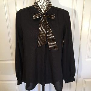umgee NWOT blouse with studded/rhinestoned tie S